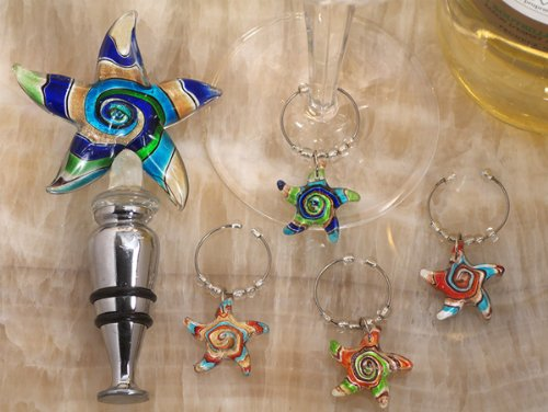 (Murano Art Deco Combination Set Starfish Stopper And Wine Charms C2821 Quantity of 1 by Cassiani)