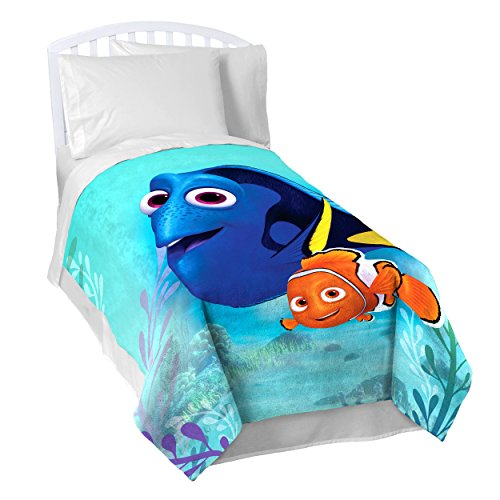 Disney/Pixar Finding Dory Stingray Friends Plush Twin Blanket, 62