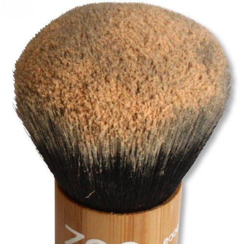 zao-kabuki-makeup-powder-brush-made-of-bamboo-for-natural-cosmetics