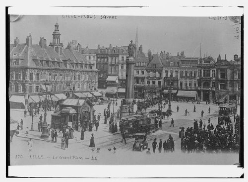 HistoricalFindings Photo: Lille - Public Square,France,trolley car,automobile,people,buildings,Bain