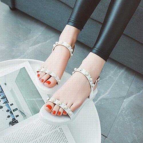 Mee Shoes Damen Flach mit Perlen Schnalle Sandaletten Weiß