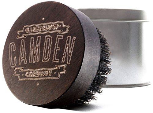 CAMDEN BARBERSHOP COMPANY: Bartbürste aus Walnussholz & Wildschwein-Borste inkl. Case, handgebeizt & laser-graviert - zur Bartpflege & zum Auftragen von Bartöl
