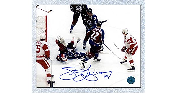 d82e4d804 Steve Yzerman Detroit Red Wings Autographed 500th Goal 8x10 Photo at  Amazon s Sports Collectibles Store