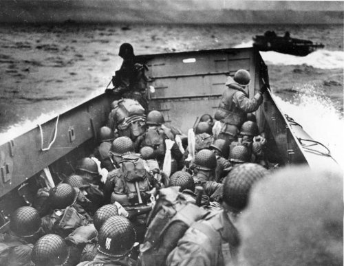 RADIO BROADCAST - JUNE 6, 1944 (D Day Invasion CBS) - OLD TIME RADIO - 1 CD - 24 mp3 - Total Playtime: 23:16:51 Christmas Broadcast Radio