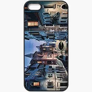 Unique Design Fashion Protective Back Cover For iPhone 5 5S Case Buildings River Bridge Street Night Black