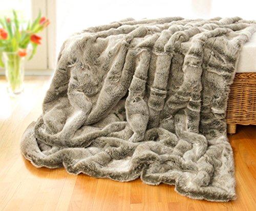 Felldecke Grauwolf grau-beige aus Webpelz in 150x200cm