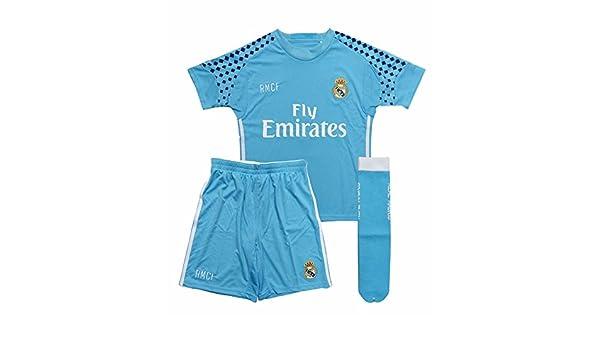 Equipación portero Real Madrid niño camiseta pantalón y medias tallas 2- 14Celeste - 2  Amazon.es  Deportes y aire libre 0f57b6e56b110