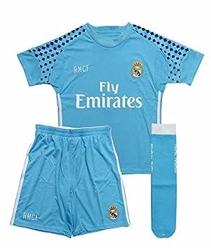 Equipación portero Real Madrid niño camiseta pantalón y medias tallas  2-14Celeste - 2  Amazon.es  Deportes y aire libre 651834f598936