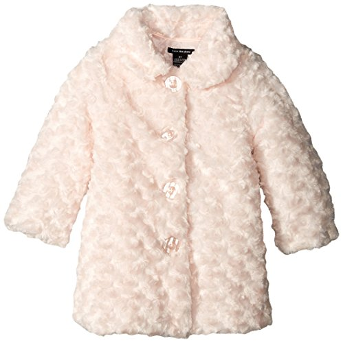 trendy outerwear for girls Warm and practical outerwear for girls following the latest trends. Seasonal pieces with functional designs perfect for wearing to school, and original designs ideal for special occasions or fun days out.