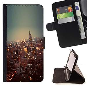 /Skull Market/ - CITY LIGHTS SKYSCRAPERS NEW YORK For Apple Iphone 5C - Caja de la carpeta del tir???¡¯???€????€?????????&A