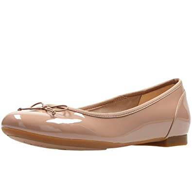 ef703ead5b83 Clarks Couture Bloom Womens Extra-Wide Ballet Pumps 9 Nude Patent ...