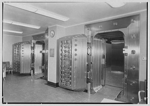 photo-bankers-trust-cow-51st-stnew-york-city-safety-deposit-vault