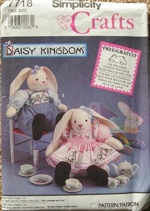 (Simplicity 7718 Daisy Kingdom Sitting Bunny Dolls & Clothes Pattern - 12