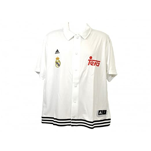 186d2117d Amazon.com  Real Madrid CF Official Snap Shooter Polo Shirt  Clothing