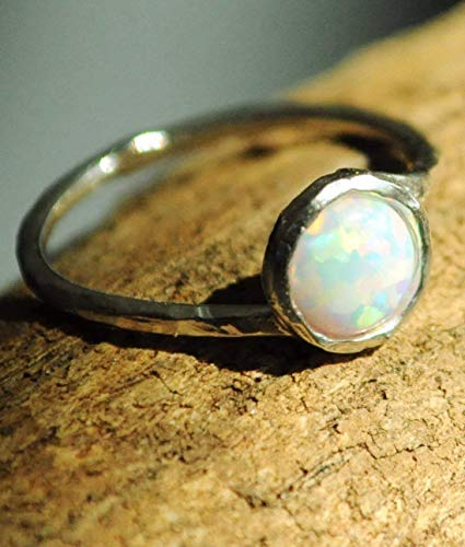 (Opal ring size 8 Sterling Silver. White Fire)