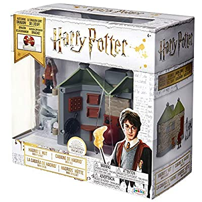 HARRY POTTER Hagrid's Hut Mini Action Playset, Featuring 3 Figures, Hagrid, Buckbeak & Fang, Enjoy The Magic! Perfect for Any Fan! for Ages 4+: Toys & Games