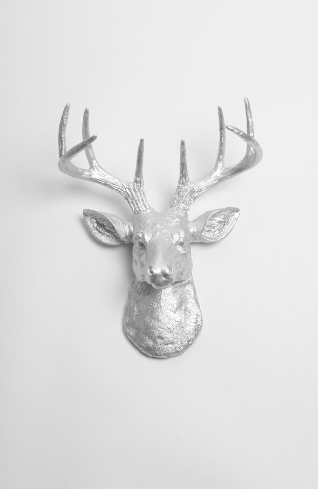 Genial Amazon.com: Mini Silver Faux Deer Head Wall Mount   The Mini Hesher By  White Faux Taxidermy | Miniature Silver Resin Stag Animal Head Wall Mount  With ...