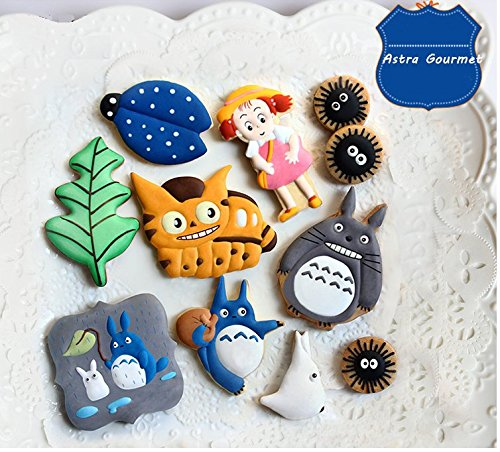 Astra Gourmet 9-Piece Totoro Series Forest Cartoon Animal Stainless Steel Cookie Cutters Fondant Cutter Cake Decorating Tools Set
