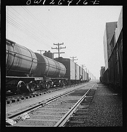 1943 Photo Bethlehem-Fairfield shipyards, Baltimore, Maryland. Tank and boxcars Location: Baltimore, - Boxcar Maryland