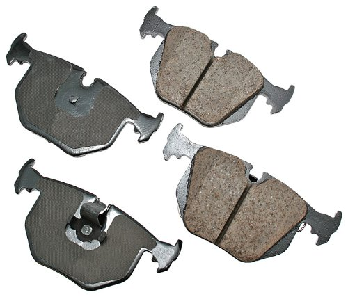 (Akebono EUR683 EURO Ultra-Premium Ceramic Brake Pad Set)