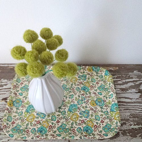 Felt flowers. Green alpaca wool pom poms. Pompom flowers. Faux flower bouquet. Avocado, lime green floral arrangement. Felted balls. ()