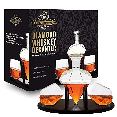 Whiskey Decanter Diamond shaped With 2 Diamond Glasses & Mahogany Wooden Holder - Elegant Handcrafted Crafted Glass Decanter For Liquor, Scotch, Rum, Bourbon, Vodka, Tequila - Great Gift Idea - 750ml