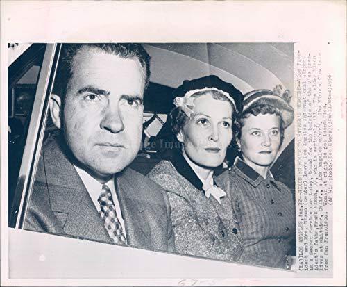 1956 WirePhoto Richard Nixon Wife Los Angeles CA International Airport ()
