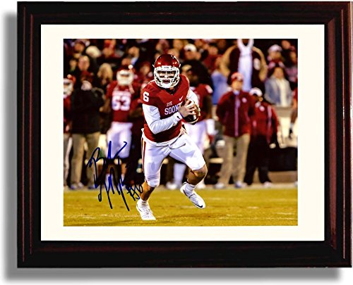 Framed Oklahoma Sooners Baker Mayfield Looking Downfield Autograph Replica Print