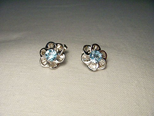 Beautiful Estate 14K White Gold Diamond Blue Topaz Floral Stud (Diamond Floral Stud)