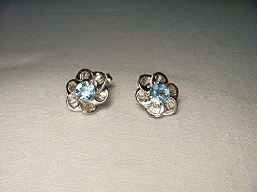 Beautiful Estate 14K White Gold Diamond Blue Topaz Floral Stud (Diamond Floral Stud)
