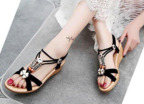 Verano 2017 nueva pendiente con sandalias abierta dedo en el piso con un conjunto de pies pies zapatos 2