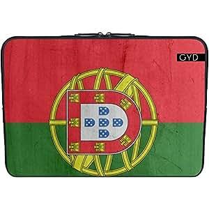 """Funda de neopreno portátil 13.3"""" pulgadas - Bandera De Portugal by wamdesign"""