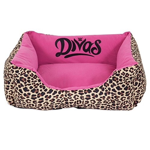 WWE Divas 20X17 Rectangular Lounger Pet Bed
