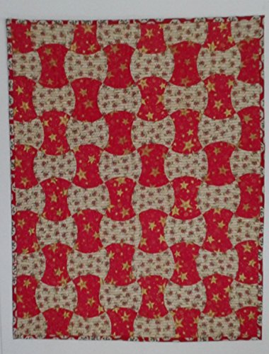 Apple Core Christmas Small Lap Quilt