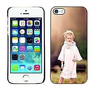TopCaseStore / la caja del caucho duro de la cubierta de protección de la piel - country girl devochka ferma - Apple iPhone 5 / 5S
