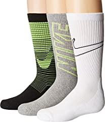 Whether they're gearing up for practice or heading to school the Nike Boys' Performance Cushion Crew Socks 3 Pack deliver for your little athlete. Plush cushioning and strategically placed reinforcements in high-wear areas maximize com...