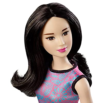 Mattel Barbie Lea in Multi-Color Dress with Black Belt and Pink Heart Accessory: Toys & Games