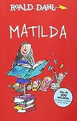 Matilda es una historia de Roald Dahl, el gran autor de literatura infantil. Matilda es una ávida lectora de solo cinco años. Sensible e inteligente, todos la admiran menos sus mediocres padres, que la consideran una inútil. Además, tiene pod...