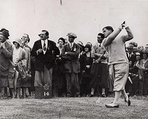 Bobby Jones (center) drives during the 1934 Masters on March 24 Golf Legends 8 x 10 photo