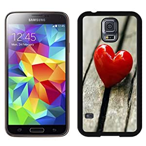 Popular And Unique Designed Case For Samsung Galaxy S5 I9600 G900a G900v G900p G900t G900w Phone Case With Red Heart On The Ground Phone Case Cover