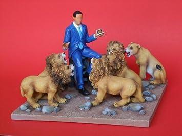 President Obama in The Lion s Den Figurine – Annie Lee