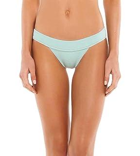 4b4bd280c5624a Amazon.com  ViX Swimwear Women s Maldives Classic Bikini Top  Vix ...