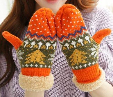【Tlove】 かわいい クリスマスツリー風 ノルディック柄 あったか ミトン 手袋 [並行輸入品]