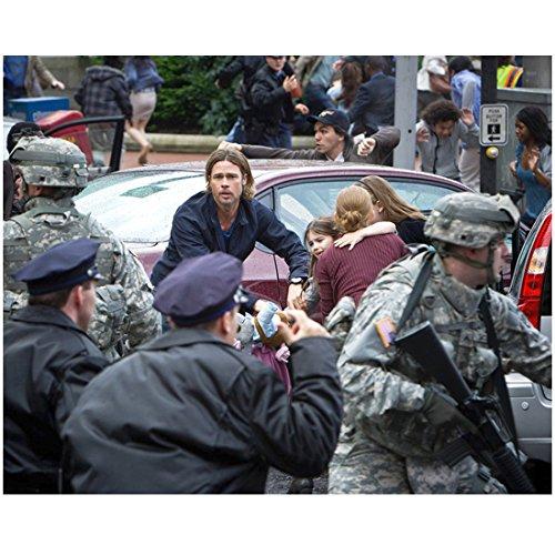 Brad Pitt 8 Inch x 10 Inch PHOTOGRAPH World War Z (2013) w/Family in Street Pose 3 kn