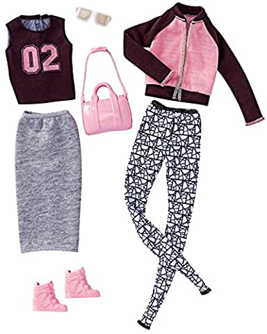 Barbie Fashions At Leisure, 2 Pack