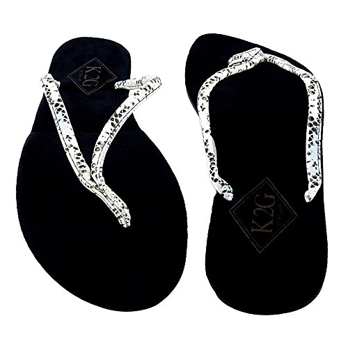 Ladies' Folding Flip-Flops with Pouch, Spa, Beach, Pool, Shower - Faux Snakeskin, Medium. ()