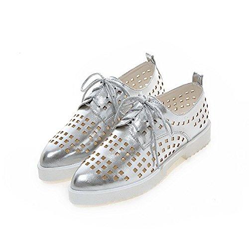 AllhqFashion Damen Rein Weiches Material Niedriger Absatz Schnüren Spitz Zehe Pumps Schuhe Silber