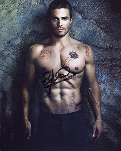 Stephen Amell Signed / Autographed Green Arrow 8x10 Glossy Photo. Includes Fanexpo Fanexpo Certificate of Authenticity and Proof. Entertainment Autograph Original.