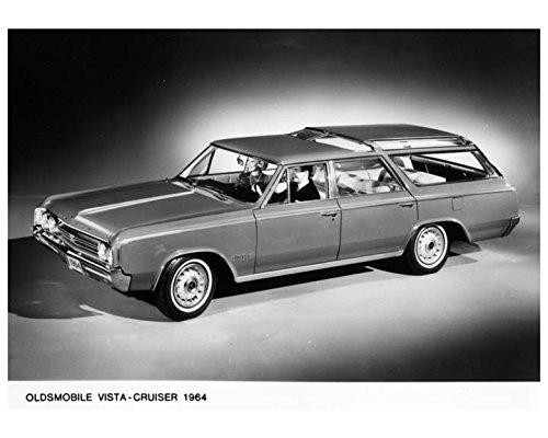 - 1964 Oldsmobile Vista Cruiser Station Wagon Photo