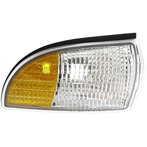 (Front Side Marker Lamp for Chevy Caprice 91-96 Right Lens and Housing W/Cornering)